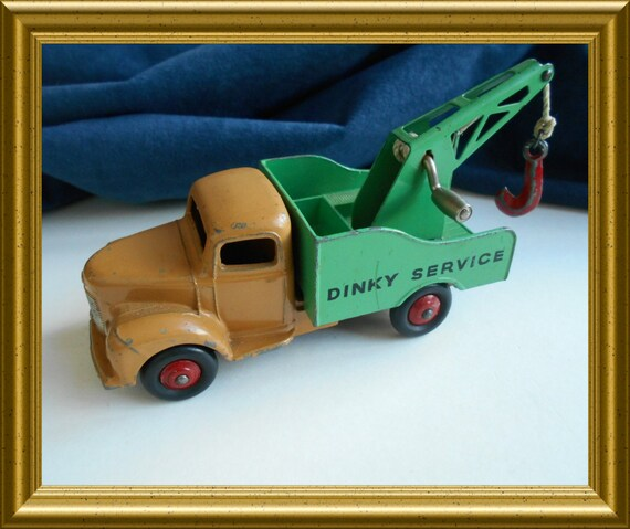 Vintage toy: Dinky Toy, Commer, Dinky Service truck, Breakdown Lorry