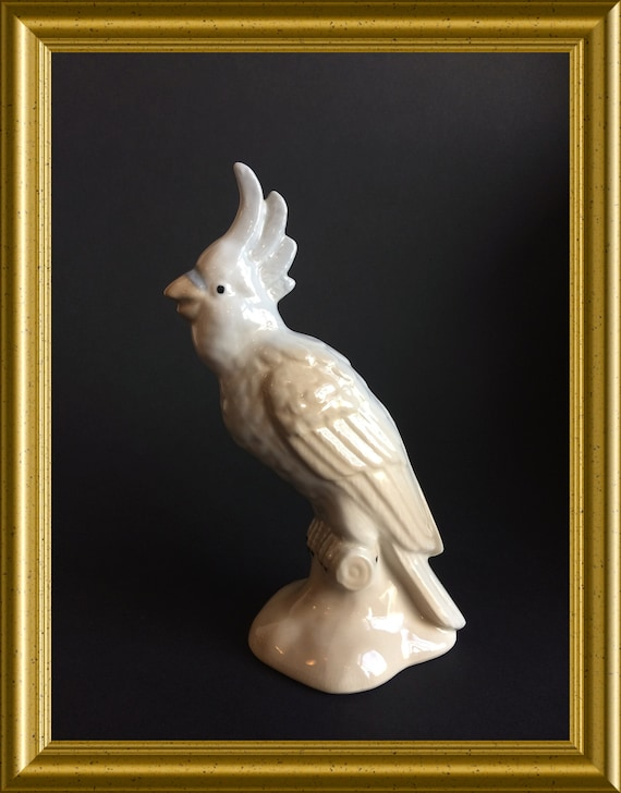 Lovely vintage porcelain figurine : bird, cockatoo