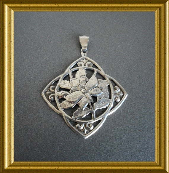 Art nouveau silver pendant : butterfly on flower