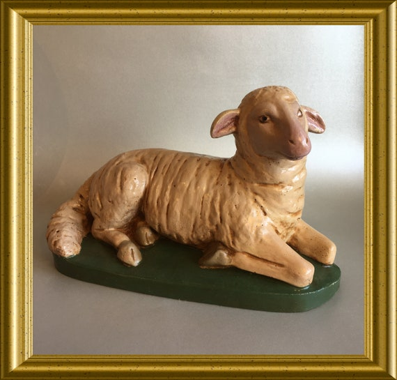 Large plaster figurine : sheep, lamb