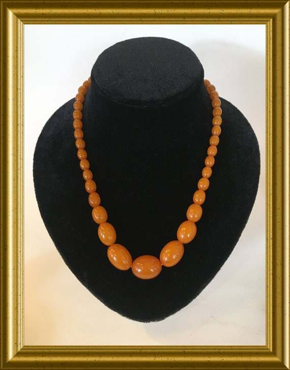 Vintage necklace with bakelite beads