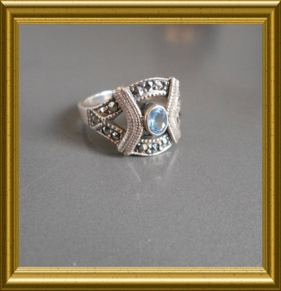 Beautiful blue silver ring with marcasite