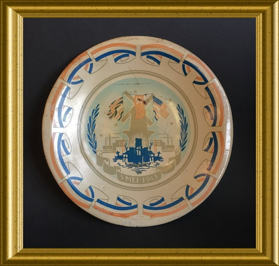Vintage tin liberation plate: 5 may 1945, WWII