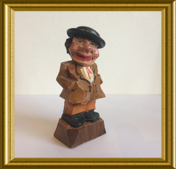 Vintage woodcarving : wooden figurine
