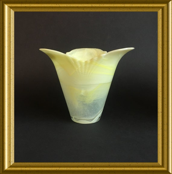 Arte Murano glass, Lavorazione, yellow vase