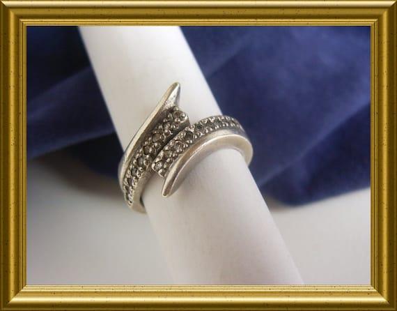 Lovely silver ring