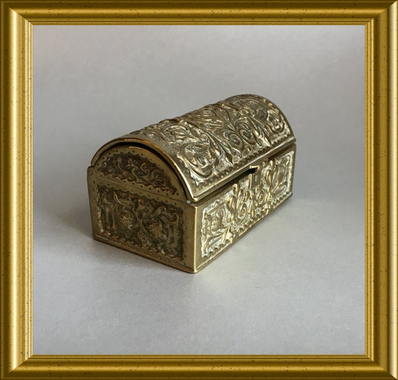 Vintage small bronze box : miniature chest