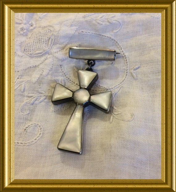 Sterling silver brooch with pendant: cross, mother of pearl