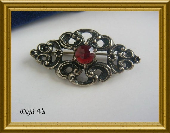 Beautiful vintage silver (835) brooch