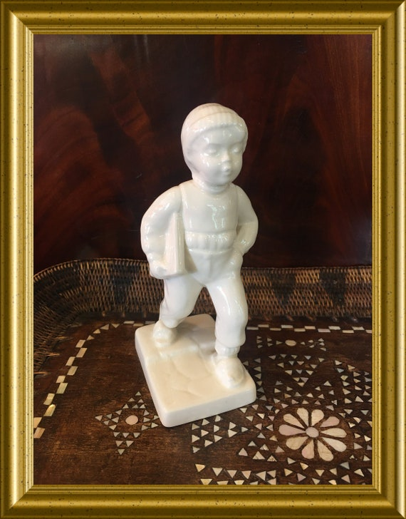 Vintage Goebel figurine: schoolboy with books