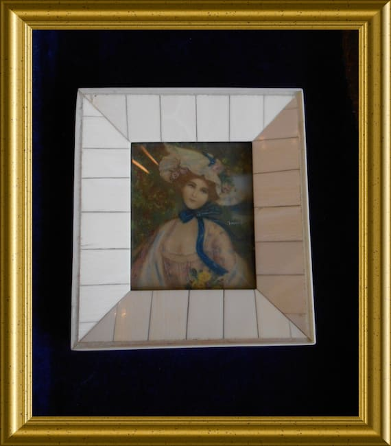 Vintage frame : miniature portrait, lady with hat