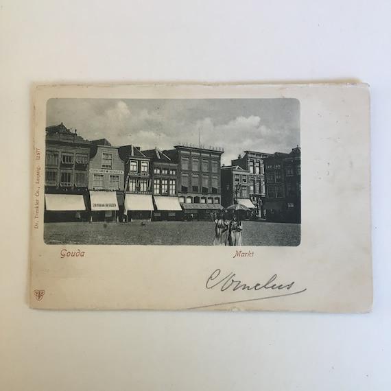 Antique Dutch postcard: markt Gouda.