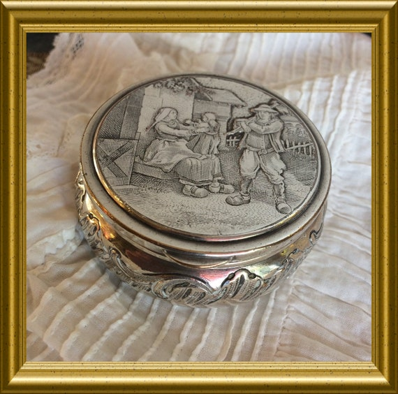 Vintage silver plated round box: Dutch scenery