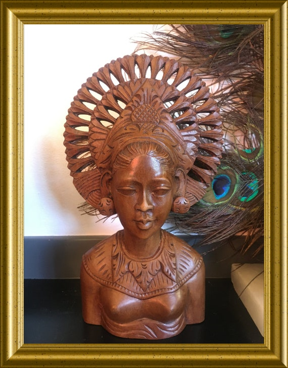 Vintage wooden Bali bust: dancer, woodcarved figure