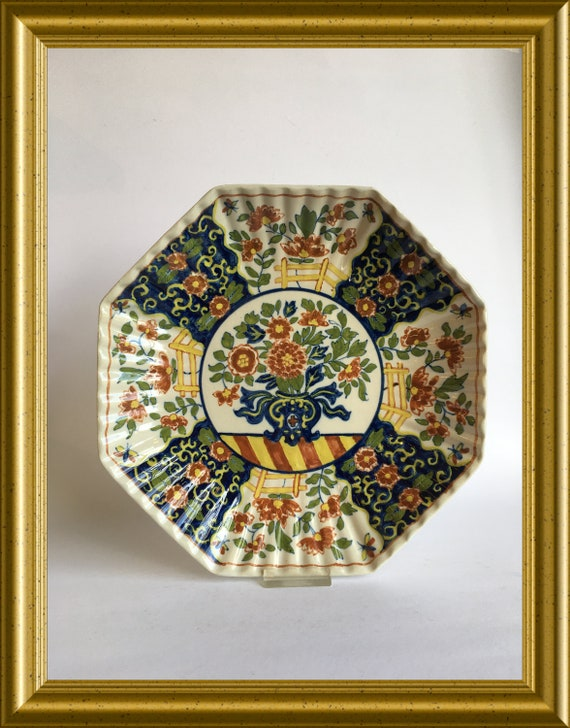 Tichelaar Makkum octagonal hand painted wall plate