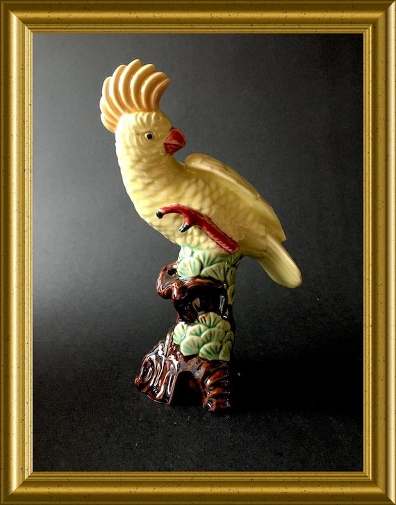 Lovely vintage porcelain figurine : bird, cockatoo