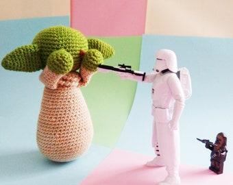 Save this Crochet Yoda!