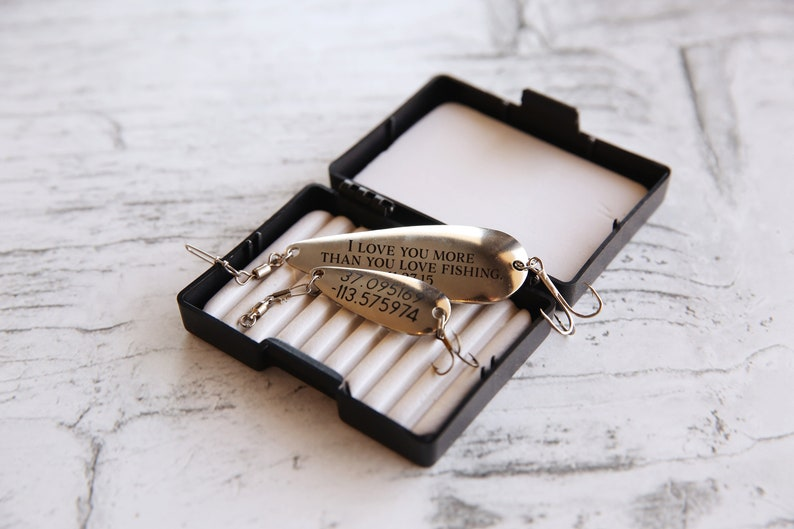 Personalized Fishing Lure Set In Gift Box Custom Fish Gift Father/'s Day Gift For Dad Rustic Wedding Party Gift Retirement Gift Anniversary