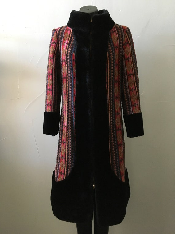 Vintage Women's Tapestry Coat