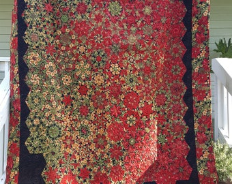 Christmas, poinsettia quilt, Holiday, roses, holly, pine cones, red, green, black, One block wonder