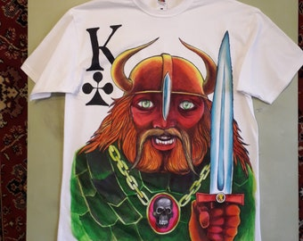 "T-shirt painted ""Cards King. Clubs"""