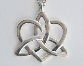 Silver Celtic Knot Heart Pendant Necklace - Scottish Love Token - Claire Fraser Jewelry - Outlander inspired