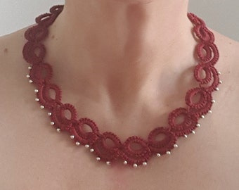 Needle tatting necklace and silver beads