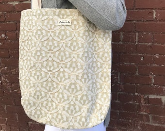 Beige Scalloped Lace Tote