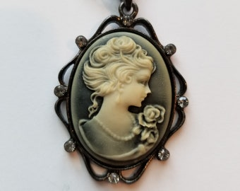 NEW Gray Blue Victorian Style Lady Cameo Relief Pendant Cable Chain Necklace Delicate