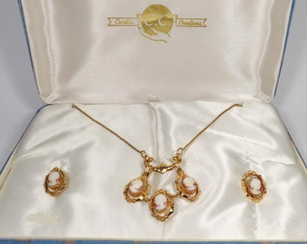 Vintage Curtis Creations Boxed Shell Cameo Necklace & Earrings Set