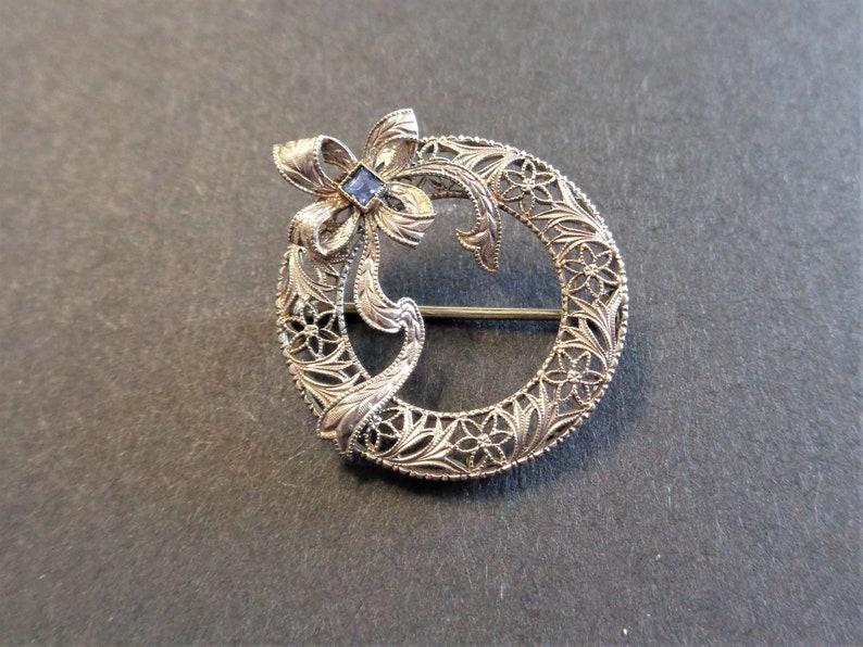 Art Deco Filigree 14Kt White Gold Wreath Bow Brooch Circle Pin image 0