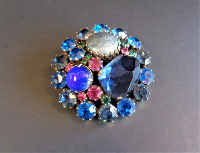 Vintage Signed Weiss Round Brooch Pin in Blue Pink Green image 0