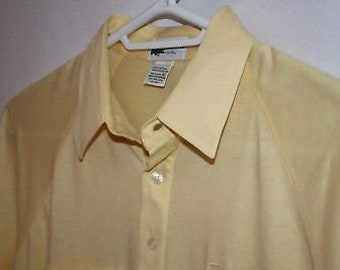 19c75fdcd6e034 Vintage The Lacoste Club Mens Polo Shirt Yellow Alligator Pocket XL Fits  Modern