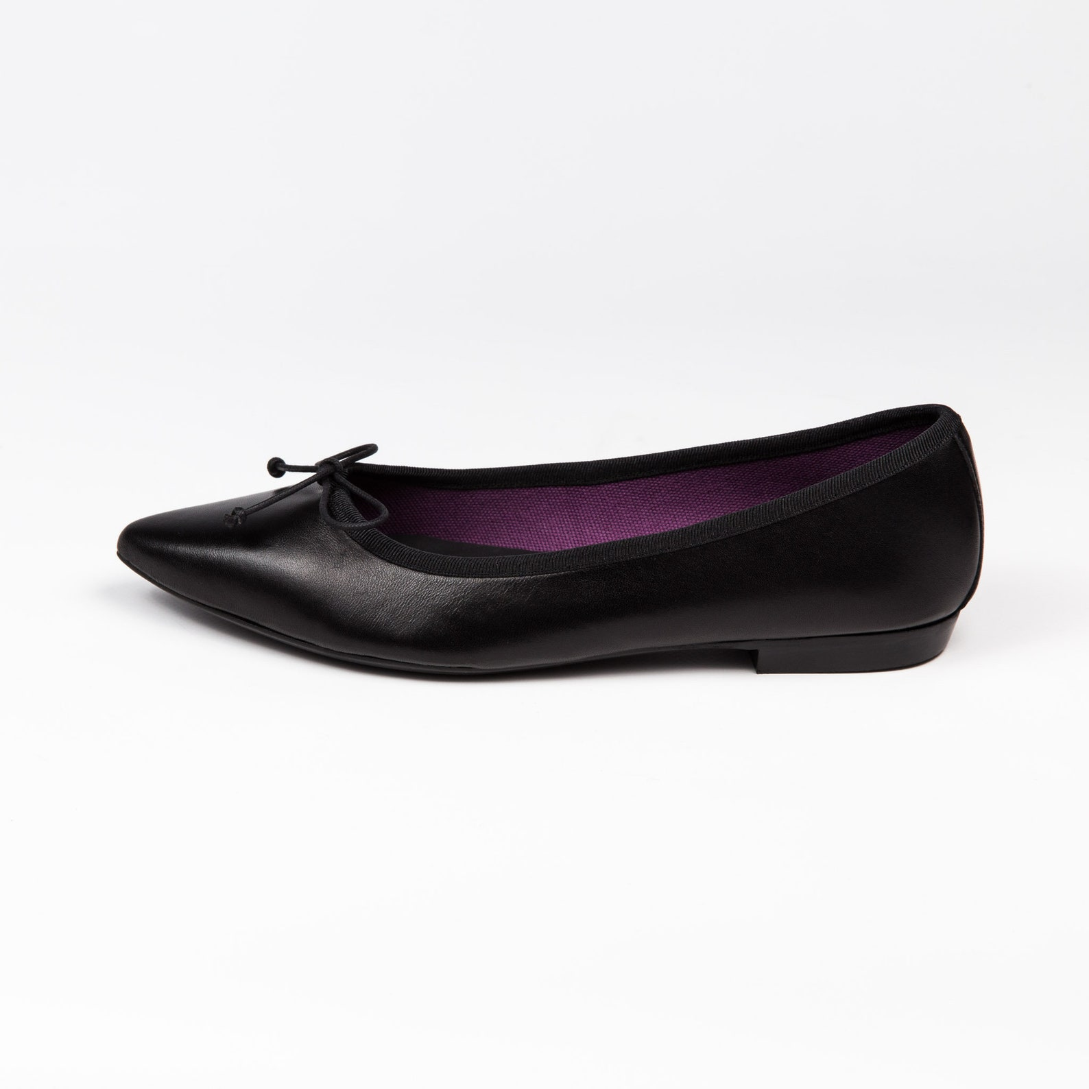 black ballet flats | pointed ballet flats | black flat shoes | black leather | women shoes | pointy flats | pointed black flats