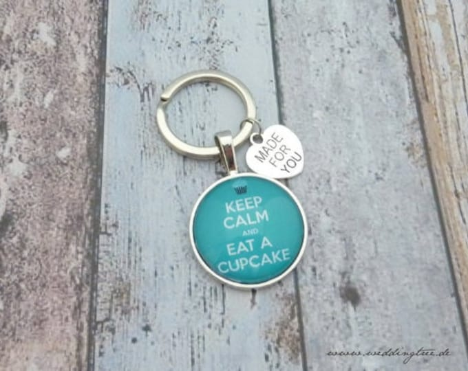 Cupcake pendant, cake, keychain, baking fee, crumb monster, keep calm an eat a cupcake, pastry chef, baker, biscuits