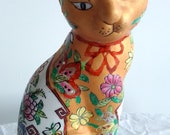Antique Vintage Chinese porcelain hand painted cat with qianlong mark to the base.