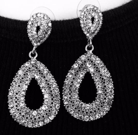 ice crystal Hollywood glam Set Art Deco Rhinestone necklace and sparkling teardrop hoop pierced earrings