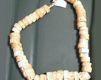 Discovery Jewelry Company Plastic Vertebrae Necklace