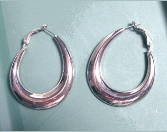 Vintage Flatback Silvertone Hoop Earrings Pierced