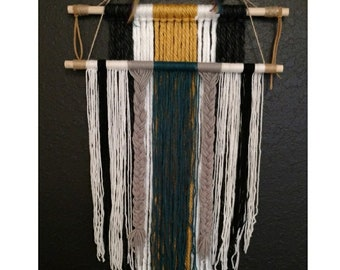 Macrame Bohemian Gypsy Yarn Wall Hanging