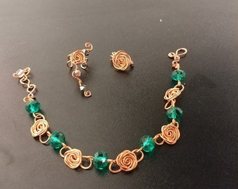 Rose copper wire with green crystal stones