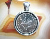 Crocus plant Hungary 2 Forint 1992 2008 MAGYAR KÖZTÁRSASÁG Antique Silver Tone 20mm Bezel Coin Pendant Handmade Jewelry Necklace