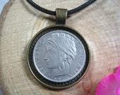 Italia turrita woman head long hair Italy 100 Lire 1993-2001 Italian Bronze 25mm Bezel Coin Pendant Jewelry Necklace Chain