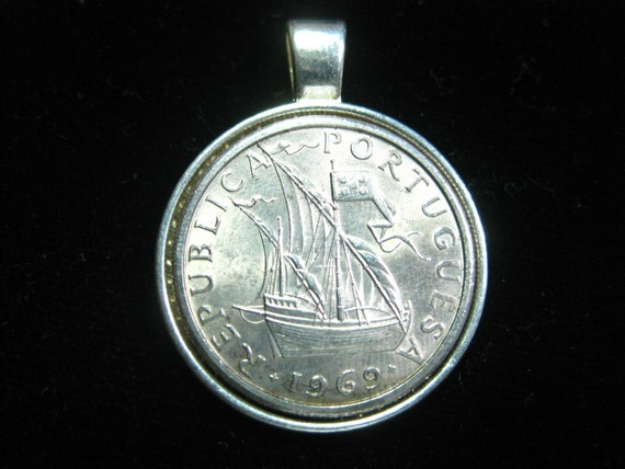 Portugal Ship Boat 5 Escudos Portuguese Antique Silver Tone 25mm Bezel Coin Pendant Handmade Jewelry Necklace