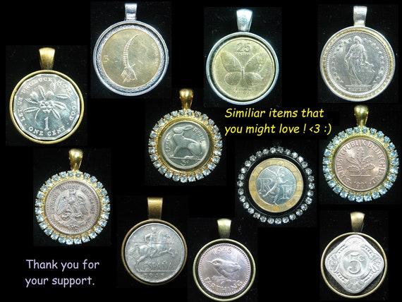 10 Pence United Kingdom UK GB Rhinestone Brilliant Crystal 25mm Coin Pendant Jewelry Necklace English Lion Crest Crown Graet Britain