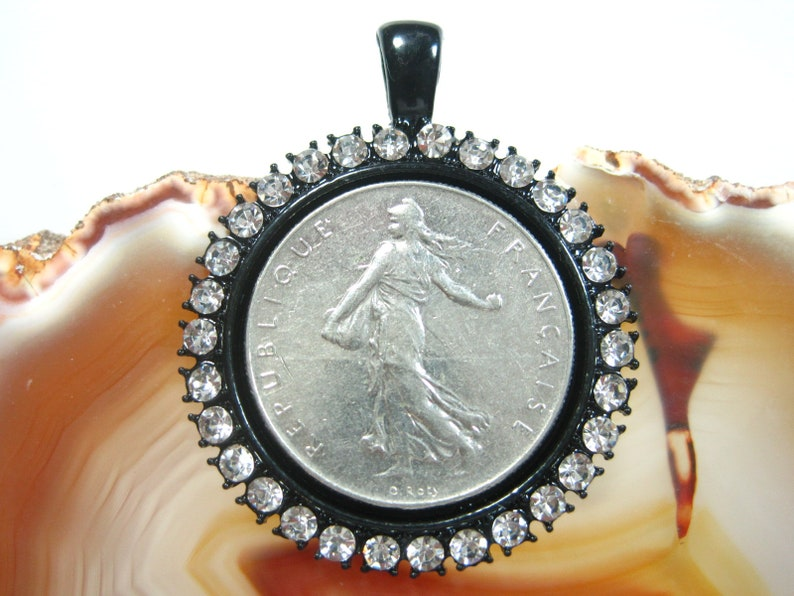 France French Walking Liberty 1 Franc Francaise Rhinestone Round Facet Brilliant Sparkle Crystal Bezel 25mm Coin Pendant Jewelry Necklace