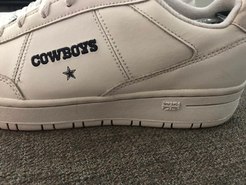9e040bc408893 90's Reebok Dallas Cowboys Sneakers