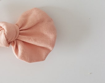 Frosty Pink Annie Bow