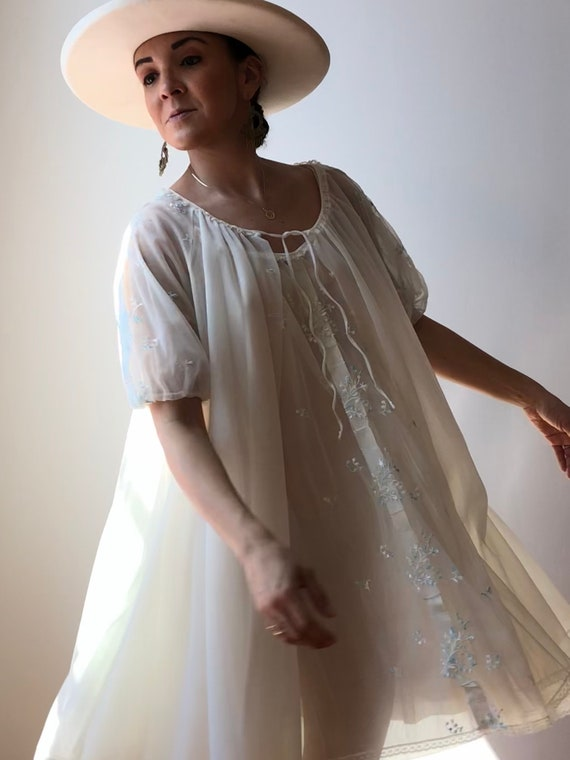 Vintage 50s Embroidered Nightgown w/Matching Robe