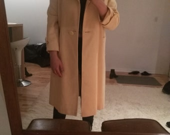 Beautiful Vtg Pale Yellow Coat